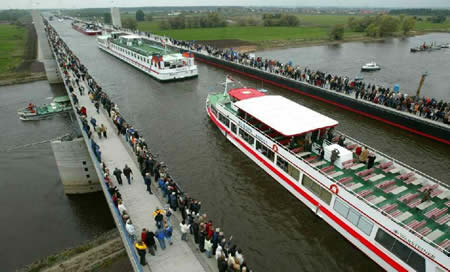 Magdeburg Water Bridge (Jerman): Europe's Largest Water Bridge