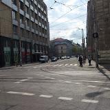 Na Jesenského ulicu zo Štúrovej je povolený vjazd cyklistom (značka zákaz vjazdu všetkým motorovým vozidlám okrem MHD). Odbočenie na ňu však je zakázané (okrem MHD) - značka vpravo.