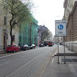 Z Jesenského ulice nie je na značke označujúcej začiatok pešej zóny povolený vjazd cyklistom, ako je to na iných vstupoch do nej.