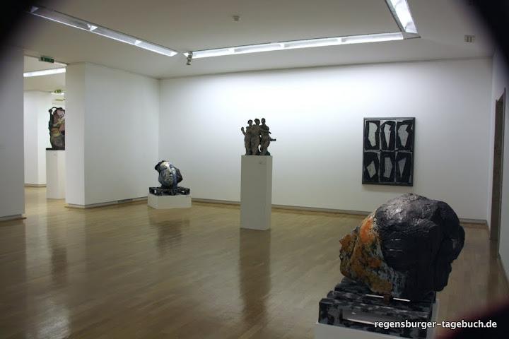 http://lh5.ggpht.com/_uzLsIJX7LLU/TPpyMKWaiZI/AAAAAAAACDI/5KroBurLVB4/s720/luepertz-kunstforum-18112010-IMG_1313_ji.jpg