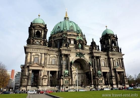 Город Берлин и его главные достопримечательности с описанием и фото | 390x555