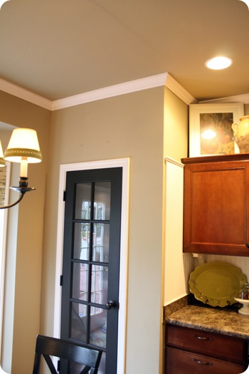 crown molding in kitchen