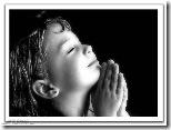 niños rezando (8)