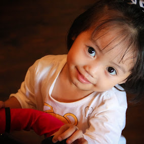 Izarra Qistina by Eddy Ahmad - Babies & Children Child Portraits ( blogger, zara, kbba, cutecandid, kl )