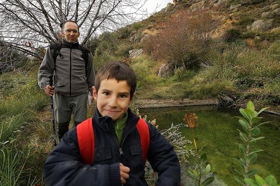Bassa i font del Mas de Sant Antoni.  Parc Natural de la Serra de Montsant. La Morera de Montsant, Priorat, Tarragona