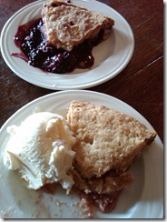 3214c Duarte's Tavern Strawberry Rhubarb & Olalleberry Pies Pescadero CA