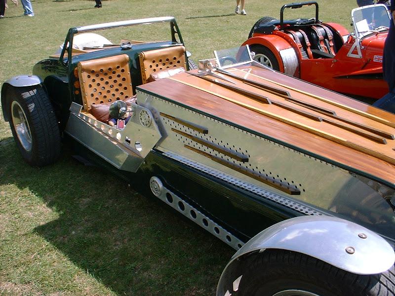 14 Crazy Steampunk Car Mods Walyou