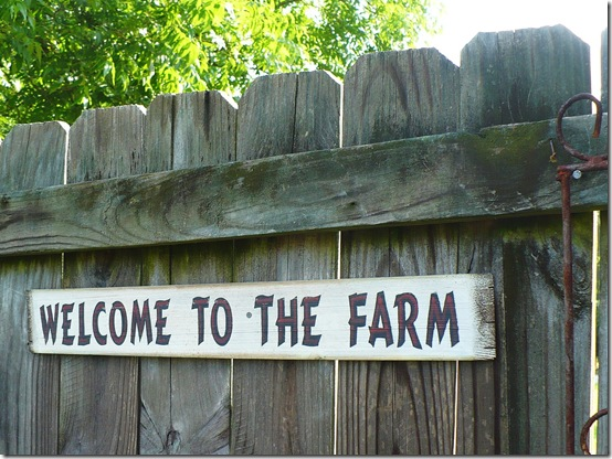 Welcome to the Farm sign