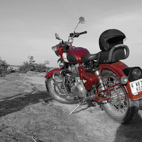 Classic 350 by Som Nath - Transportation Motorcycles (  )