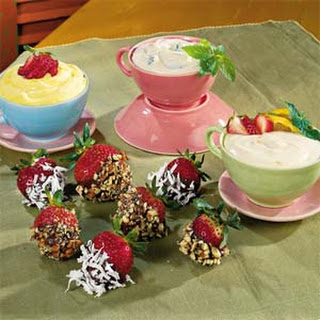 Strawberries with Brown Sugar-and-Sour Cream Dip Recipe