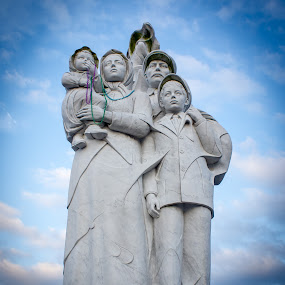 Mardi Gras Immigrants by Steve Hall - Buildings & Architecture Statues & Monuments ( new orleans )