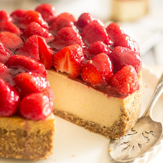 Non-Dairy & Paleo Strawberry Cheesecake.