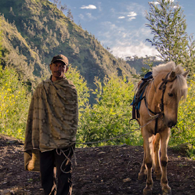look  by Said Rizky - People Portraits of Men ( ride, indonesia, horse, localpeople, bromo )