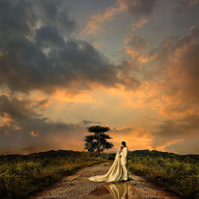 by Daniel Chang - Wedding Bride & Groom (  )