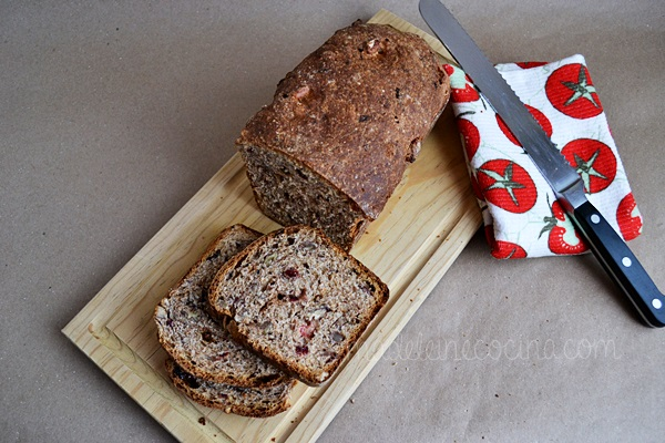 Whole Wheat Bread with Cinnamon, Blueberries, and Raisins Recipe