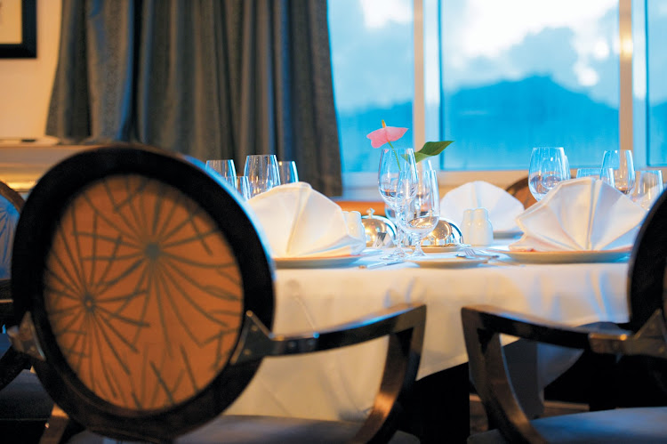 L'Etoile offers an elegant but relaxed setting and an array of tempting specialties for Paul Gauguin passengers.