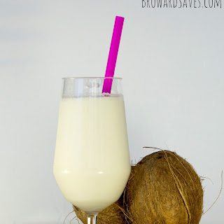Refreshing Coconut Smoothie Recipe – Cocada Venezolana.