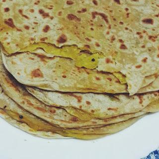Aloo Paratha / Potato Flatbread Recipe