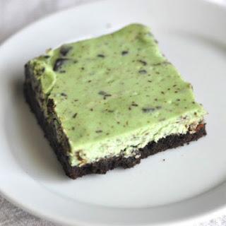 Mint Chocolate Chunk Cheesecake Bars