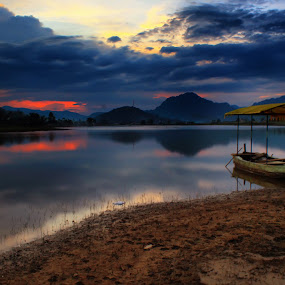 tarusan kamang lake  by Fajar Vandra - Landscapes Sunsets & Sunrises