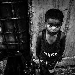 Looking- by Fadel Satriawan - Babies & Children Children Candids