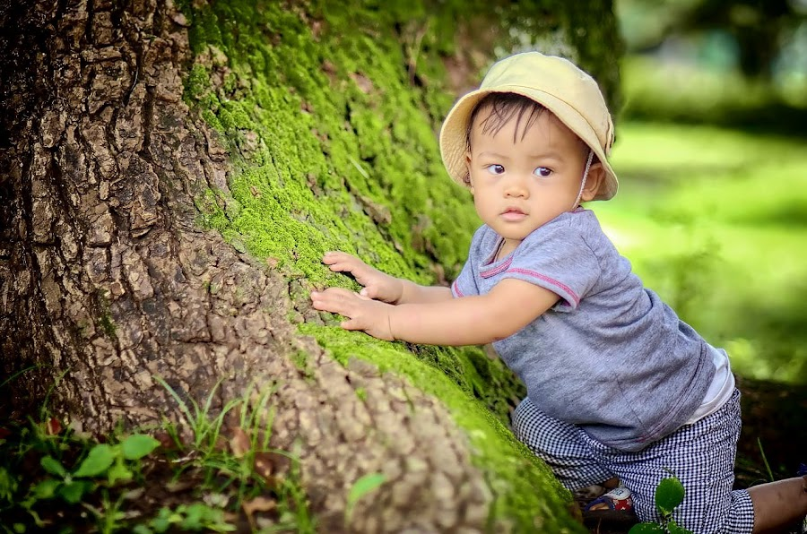 Under the tree by Darlis Herumurti - Babies & Children Children Candids