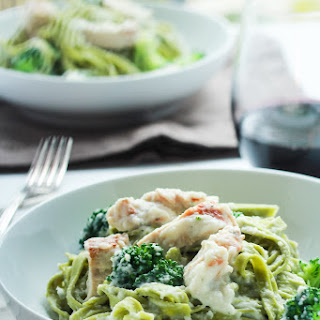 Skinny Chicken Alfredo Pasta with Broccoli