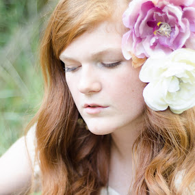 Tarren by Darci Jones - People Professional People ( teen, gorgeous, beautiful, redhead, flowers )