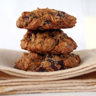 Oatmeal-Date-Chocolate Cookies Recipe