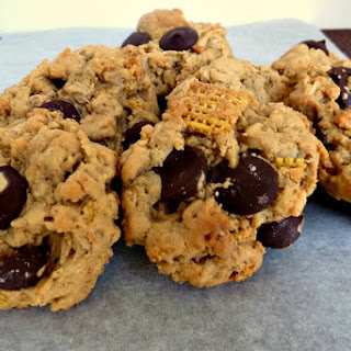 Peanut Butter Chocolate Chip Oatmeal with Rice Chex Cookies