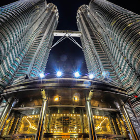 STANDING TALL by Michael Rey - Buildings & Architecture Office Buildings & Hotels ( landmark, petronas, twin towers, malaysia, architecture, kuala lumpur,  )