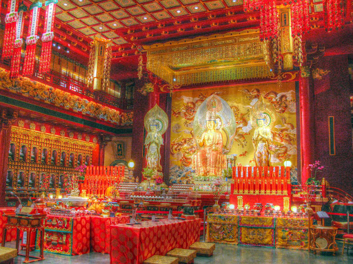 Buddha-Relic-Tooth-Temple-Singapore - The Buddha Relic Tooth Temple in Singapore.