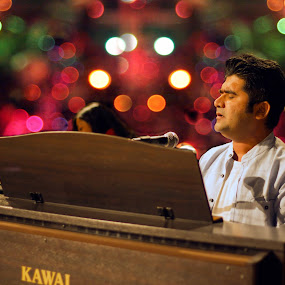 THE Pianoist by Ashish Garg - People Musicians & Entertainers