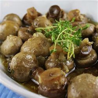 Baked Mushrooms with Thyme and White Wine