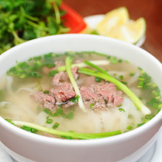 Vietnamese pork noodle soup recipe (Phở heo)