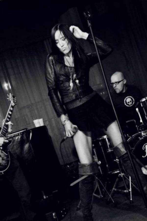 Joyce Lee & The Killing Shoes- screenshot