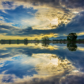 SYMMETRY Cloud by Andrew Micheal - Landscapes Cloud Formations (  )