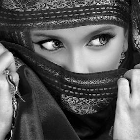 by Dhani Photomorphose - Black & White Portraits & People ( woman, black-and-white, portrait )