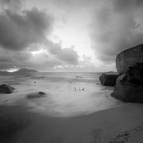 belum ada judul by Kosmas Fikie Aryadi - Landscapes Waterscapes ( blackandwhite, black and white, bw, weather, seascape )