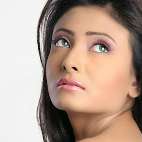 The look by Mahul Mukherjee - People Portraits of Women ( colour, fashion, model, girl, woman, photo )
