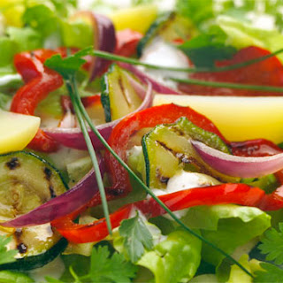 Gegrilde Courgette, Aardappel, Rode Ui En Geroosterde Paprika