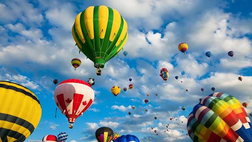 Balloons HD Live Wallpaper
