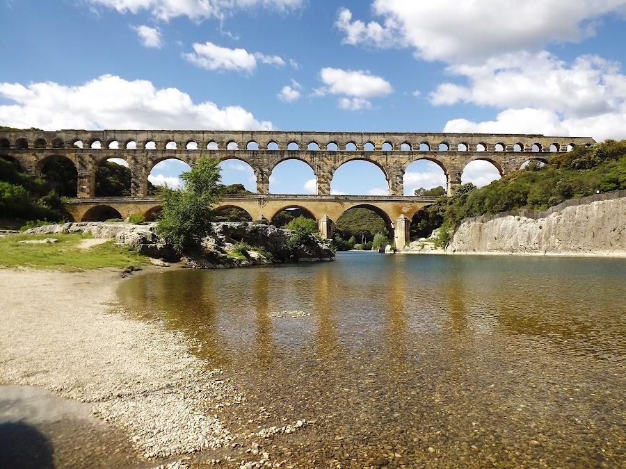 Pont du Gard (Roman Aqueduct) by Dražen Komadina - Buildings & Architecture Public & Historical ( pont du gard (roman aqueduct) )