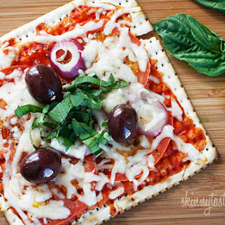 Skinny Passover Matzo Pizza.