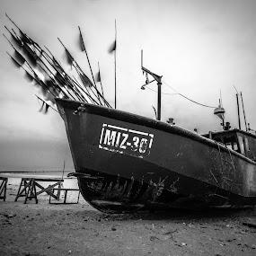 MIZ-30 by Markus Busch - Black & White Landscapes ( ostsee, miedzyzdroje, urlaub, graufilter, langzeit )