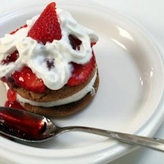 Strawberry Ice Cream Cookie.