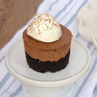 Mini No-Bake Chocolate Cheesecakes.