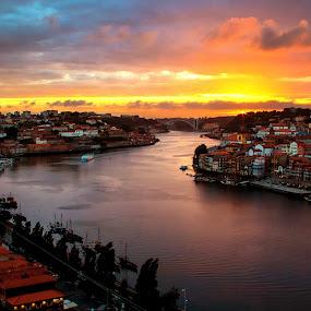 Oporto' Sunset by Júlio Alves - Landscapes Sunsets & Sunrises ( arrábida, rio, gaia, sunset, oporto, portugal, unesco, douro, ribeira, porto, river )