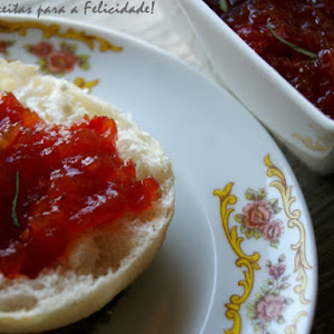 Tomato Jam with Red Pepper