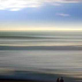 two friends by Sergio Martins - People Couples ( praia, friends, almada, costa da caparica, beach, portugal )